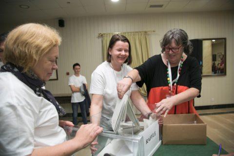 Voluntarios Rosemary, Annie 2